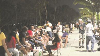 Photo of Despiden el confinamiento con fiestas en las calles de la capital