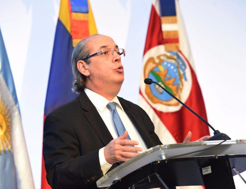 Photo of Presidente Medina designa abogados para audiencia del TSE contra decreto que extiende estado de emergencia