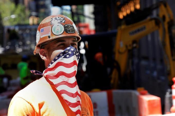 Photo of EE.UU. supera los 2 millones de contagios y 113, 770 muertos de COVID-19