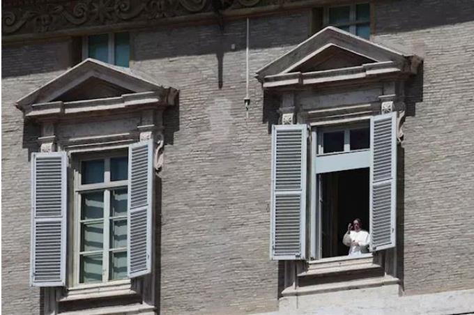 Photo of El Papa pide que se garantice la protección, dignidad y seguridad de los refugiados