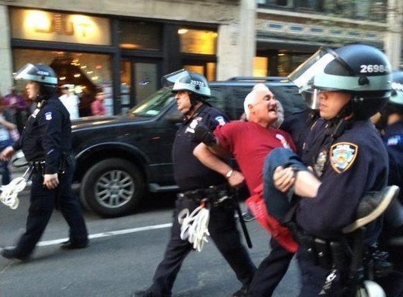 Photo of Nueva ley en Nueva York autoriza a grabar a la policía y mantener videos