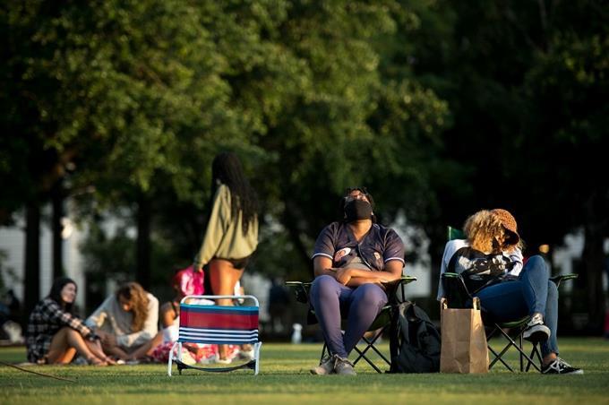 Photo of «Fuera de control»: el sur de EEUU enfrenta alarmante alza de casos de coronavirus