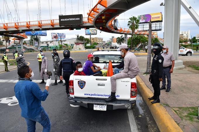 Photo of Más de 10 millones de pesos acumulado por multas a personas detenidas por violar el toque de queda a nivel nacional