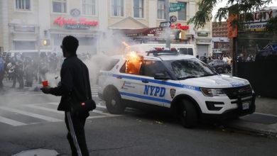Photo of Más de 350 policías han resultado heridos durante las protestas