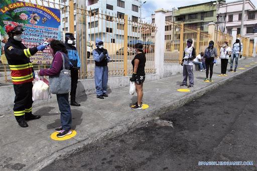 Photo of Ecuador descarta reconfinamiento y fortalecerá control en su capital por coronavirus