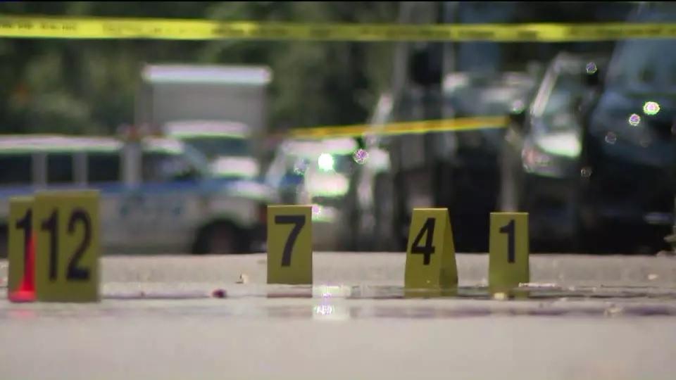 """Photo of Violencia a niveles """"astronómicos"""": 17 baleados en ciudad de Nueva York"""