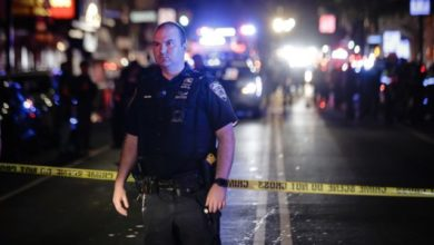 Photo of {VIDEO}Hispano con fusil mata dos personas de 27 tiros en Brooklyn; inválido abre fuego en Harlem