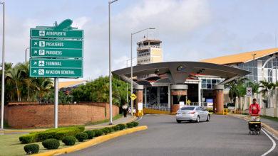 Photo of Aeropuerto Cibao solo permitirá una persona para recoger pasajeros