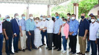 Photo of Empresarios entregan más de $3 millones para campaña del candidato Luis Abinader