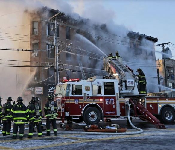 Photo of Fuego deja 14 heridos y varias familias sin hogar en El Bronx; en área residen dominicanos
