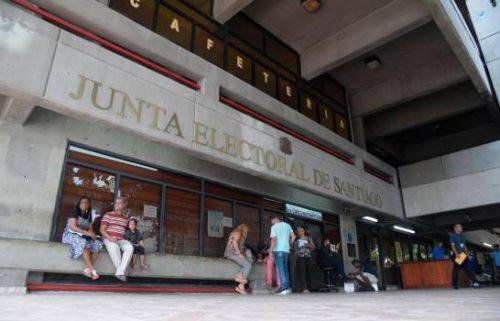 Photo of Aplazan medida a implicados en robo a la Junta Electoral de Santiago