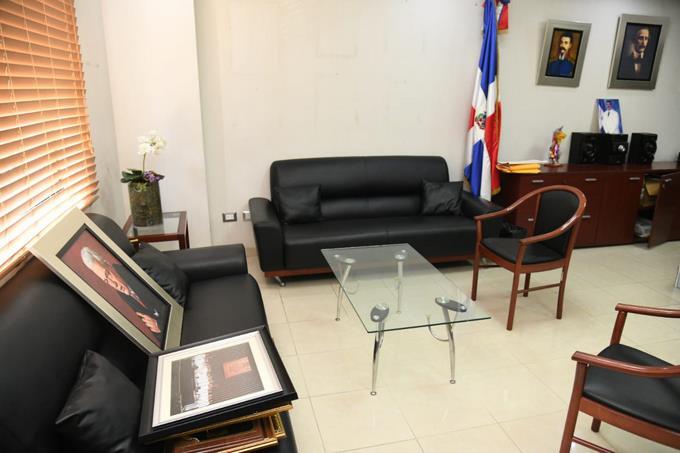 Photo of Senadores que no fueron reelectos comienzan a «recoger» sus oficinas en el Congreso