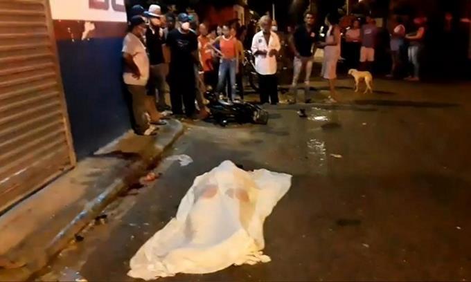 Photo of Mujer muere en Villa Riva tras accidente ocurrido durante toque de queda