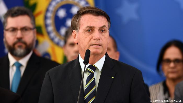 Photo of Bolsonaro llama «cabrón» a un periodista y le amenaza con «llenarle la boca de puñetazos»