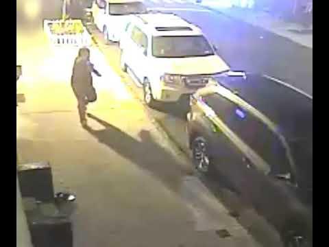 Photo of Escuadrón policial persigue pistolero asesinó madre hispana en El Bronx