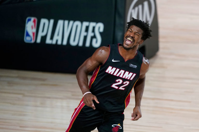 Photo of Miami obtiene tercer triunfo al hilo con gran labor de Jimmy Butler