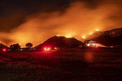 Photo of Continúan las evacuaciones en California ante el avance de los incendios