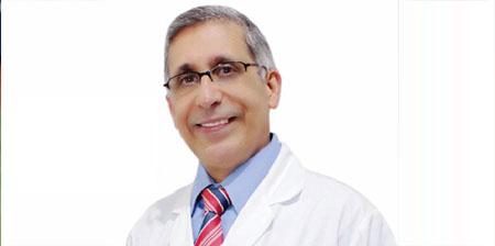 Photo of Dr. Ramon Mena, contento con 23 aniversario Siglo 21