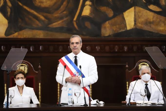 Photo of En cinco días de gestión, Luis Abinader ha nombrado al menos 17 asesores en el Gobierno