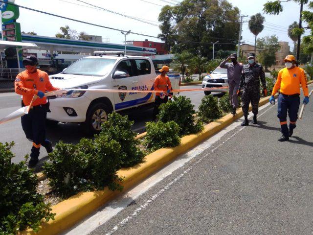 Photo of Autoridades cierran malecón de Barahona debido a la aglomeración de personas