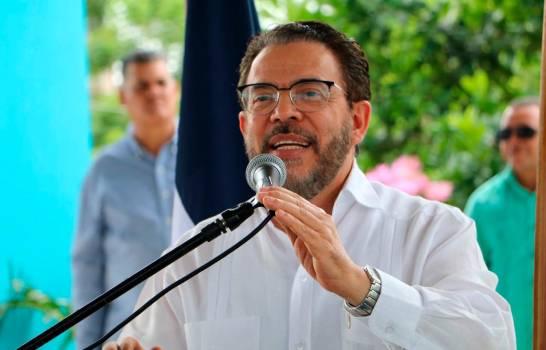Photo of Guillermo Moreno dice no hay que reformar Constitución para enfrentar corrupción