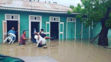 Photo of Lluvias por tormenta Laura provocan desbordamiento del río Yaque del Sur