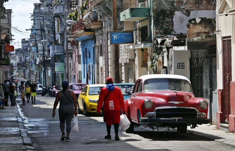 Photo of Cuba confirma otras 36 infecciones de COVID-19; curva continúa inestable
