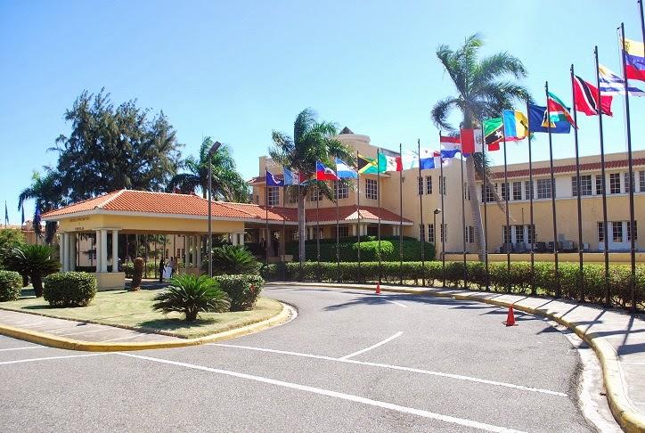 Photo of Cancillería canceló a 299 personas que no asistían a trabajar o no cumplían funciones