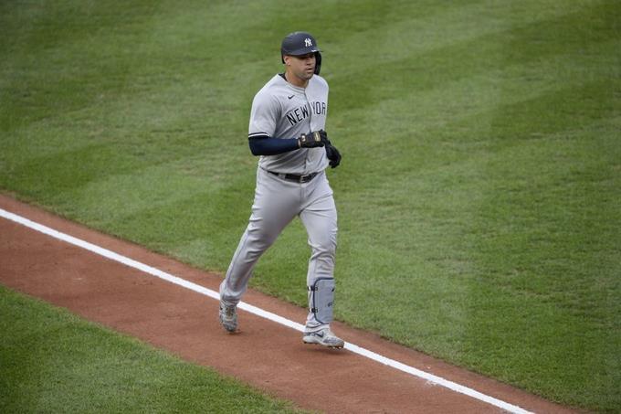 Photo of Gary Sánchez dispara su 8vo jonrón en la paliza de Yankees a los Azulejos
