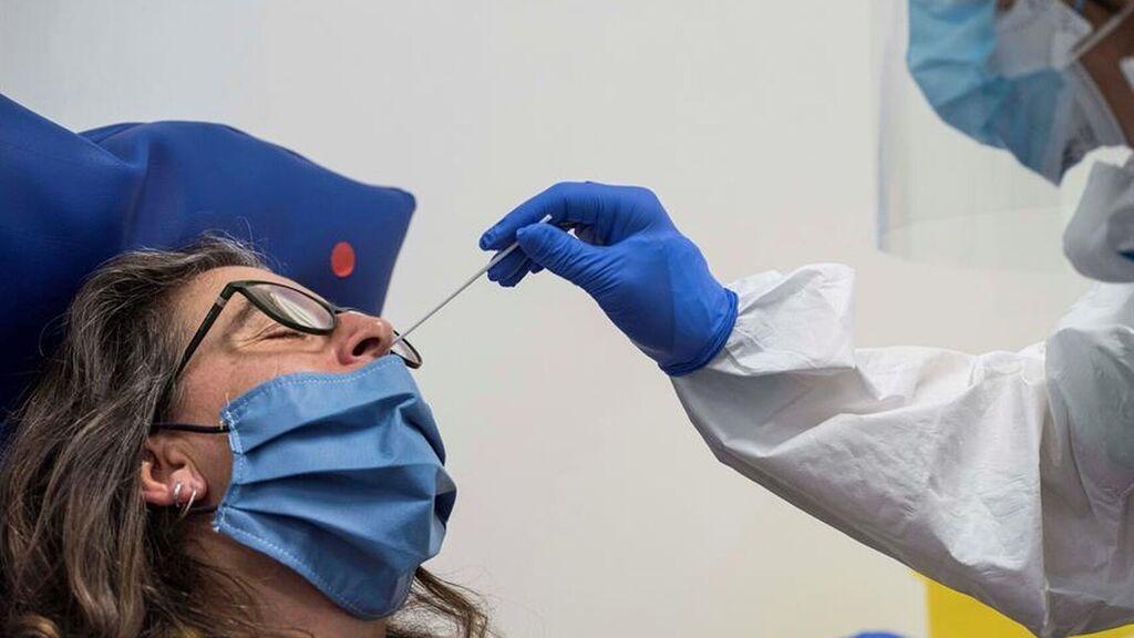 Photo of Reportan 10 muertes y 968 casos de contagios por COVID en últimas 24 horas en RD