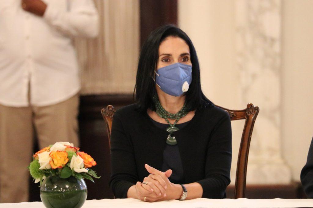 Photo of Primera Dama dice Abinader ha sido el presidente más transparente en revelar su patrimonio