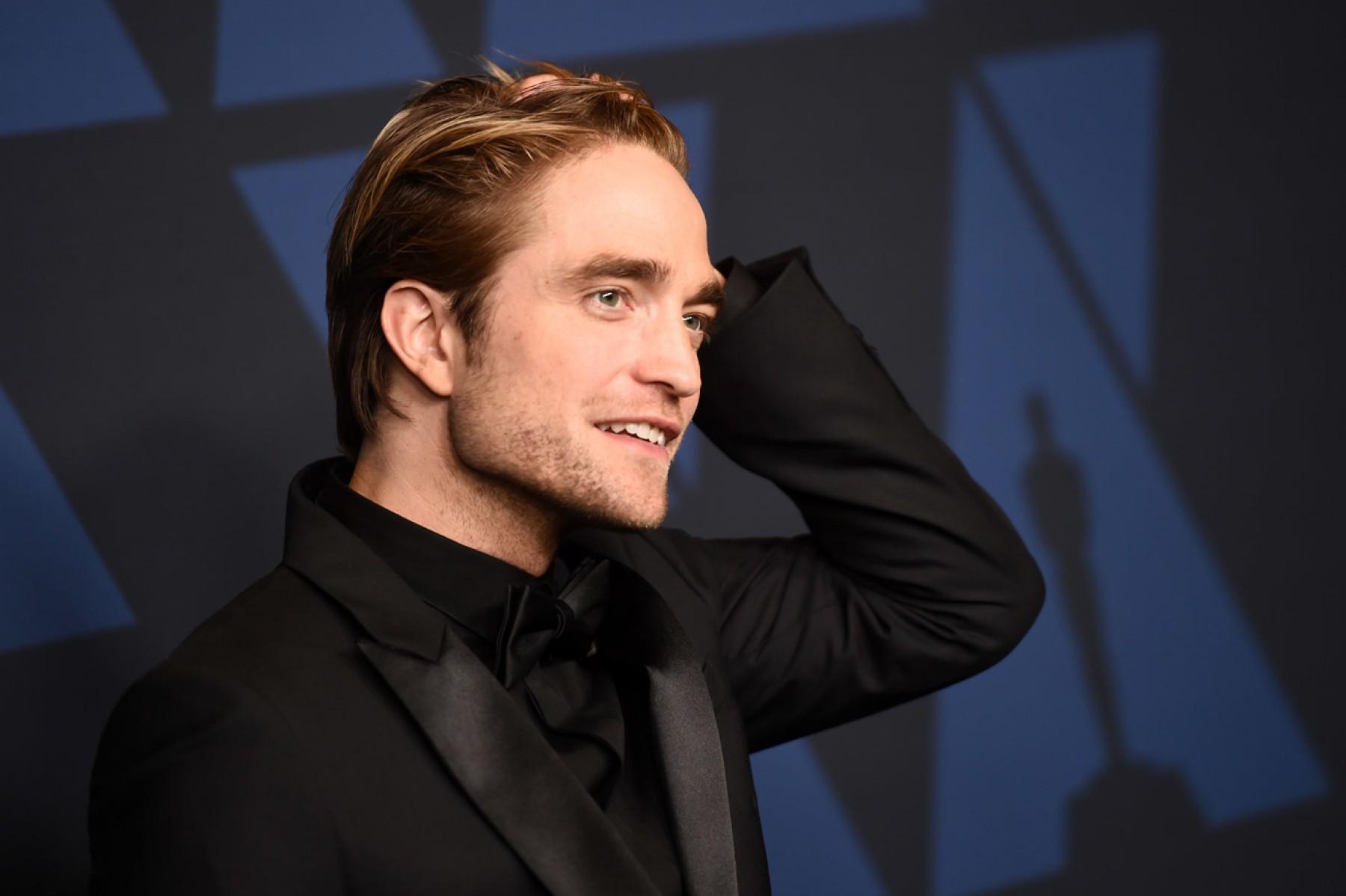 Photo of Robert Pattinson libre de COVID-19 regresa al rodaje de «The Batman»