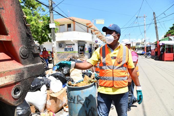 Photo of Alcalde Pedro Brand asegura su hija cometió un error en declaración jurada y que su patrimonio asciende a RD$10 millones
