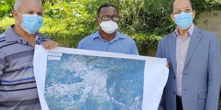 Photo of INDRHI y ayuntamiento inician estudios en Cañada Grande SFM; buscan solución hidráulica y sanitaria