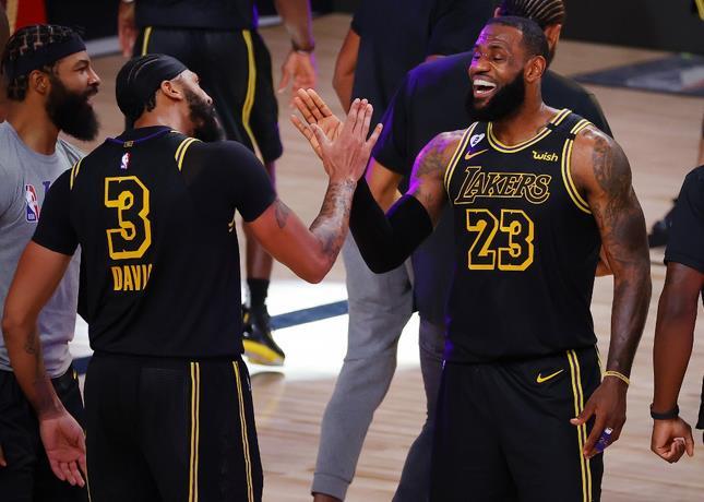 Photo of Con triple ganador de Davis, Lakers ponen 2-0 ante Nuggets en final del Oeste