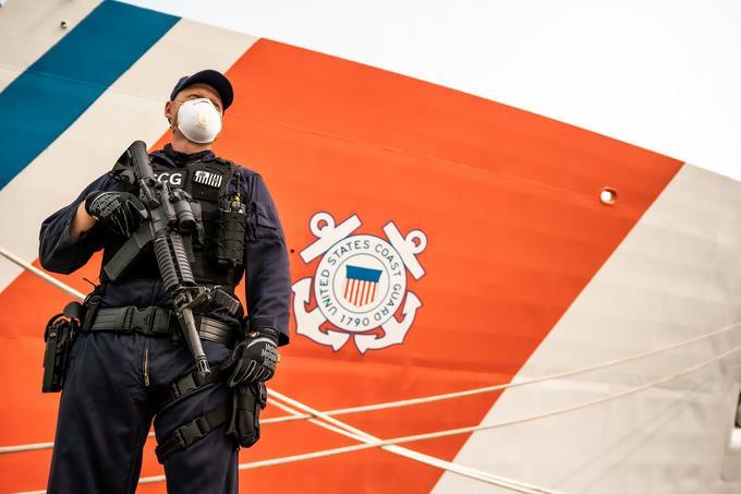 Photo of Incautan 8 kilos de cocaína y detienen a 2 dominicanos en costa de Puerto Rico