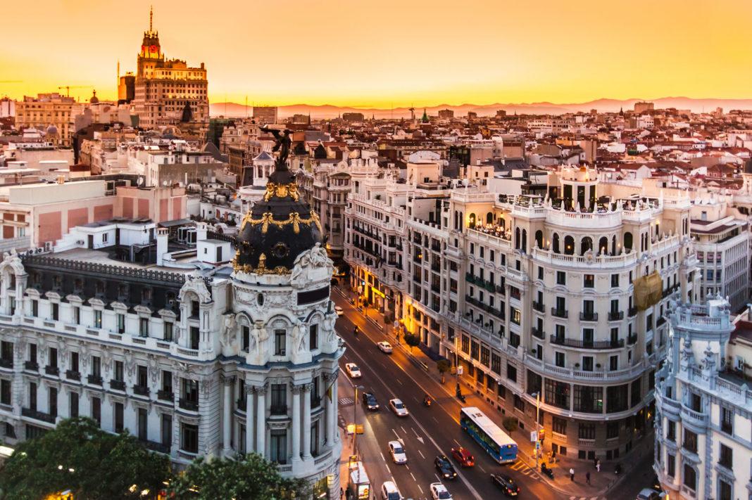 Photo of Madrid restringe la movilidad de casi 1 millón de habitantes a causa del rebrote de coronavirus