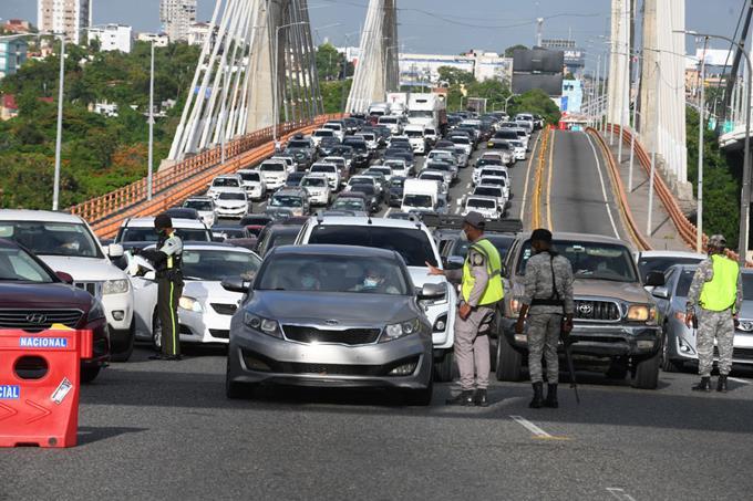 Photo of Médicos temen rebrotes al reducir toque de queda; Empresariado apoya decisión de las autoridades